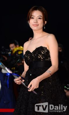 Han Hyo Joo @ 2013 Blue Dragon Film Awards » Dramabeans » Deconstructing korean dramas and kpop culture