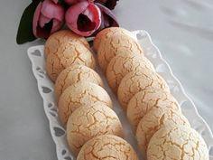 Marifetli annem benim ellerine sağlık bu kurabiyeyi senden güzel yapan yokkkk!!! Damla Sakızlı Kurabiye... 2 yumurta 2çay bardağı şeker2su bardağı nişasta1su bardağı sıvıyağkabartma tozu1paket damla sakızlı vanilyaaldığı kadar un Yapanlara kolay gelsin.... Afiyet olsun... @cheflerintarifleri #cheflerintarifleri @enlezzetlitarifler #enlezzetlitarifler #yemekrium #eniyilerikesfet #sunumduragi #lezzetli_tariflerle #sahanelezzetler #mukemmellezzetler #tarifimcahidiye #en_iyileri_...