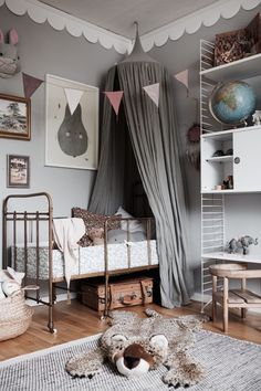 Teenage Bedroom Designs For Guys - Avoid The Mess With These Easy Tips - Josh and Derek Girl Room, Girls Bedroom, Bedroom Decor, Child's Room, Design Bedroom, Bedroom Lighting, Modern Bedroom, Bedroom Wall, Home Interior