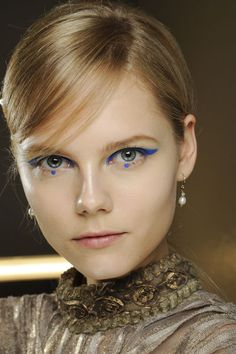 Augen-Make-up Herbst/Winter 2012/13: Graphischer Eyeliner - GLAMOUR