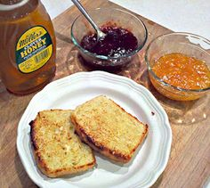 English Muffin Bread. Only 5 ingredients. No need to flour a  board, no kneading, no loaf forming, nothing.
