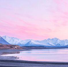 Morning light. #NZMustDo [📍Lake Tekapo, South Island. ���