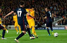 Luis Suarez of Barcelona (9) scores their first and equalising goal during the UEFA Champions League quarter final first leg match between FC Barcelona and Club Atletico de Madrid at Camp Nou on April 5, 2016 in Barcelona