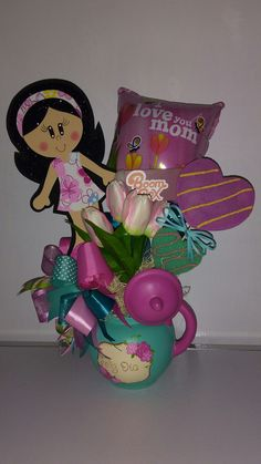 Presents For Her, Diy Presents, Holiday Baskets, Gift Baskets, Mother And Father, Mothers, Candy Bouquet, Ideas Para Fiestas, Mom Day