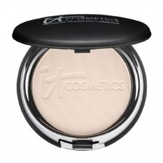 An anti-aging powder foundation fave: IT Cosmetics Celebration Foundation #itcosmetics #foundation