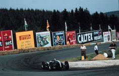 Jack Brabham, Cooper T53, 1960 Belgian GP [1667x1080] - Imgur