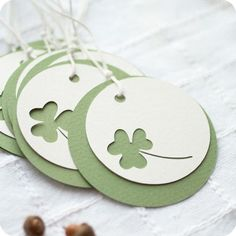 and easy shamrock tags . two die cut circles . top one with a negative space shamrock punch out . Diy And Crafts, Paper Crafts, Handmade Gift Tags, Creation Deco, Theme Noel, Paper Tags, Christmas Gift Tags, Card Tags, Creative Gifts