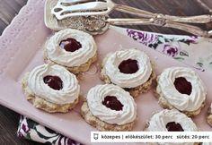 Zabpehelyhes kókuszhabos linzer Desserts, Food, Tailgate Desserts, Deserts, Essen, Postres, Meals, Dessert, Yemek