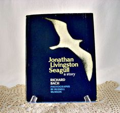 Vintage 1970 Johnathan Livingston Seagull a story by GSaleHunter