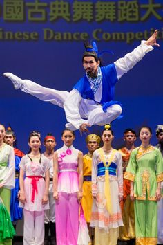 Fellow dancers confirm that Tony can fly.    Tony Xue, Shen Yun Principal Dancer, portrays a carefree scholar, happy and aloof, at a recent dance competition.