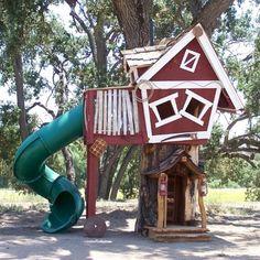 Casa na Árvore - Tree House nossa éssa casa na arvore é muito linda vc ta dando ou vendendo