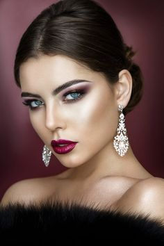 Beautiful Glamorous Dresses A clothed beauty page :-) Sharing favourite pictures sourced from the web. Pretty Eye Makeup, Pretty Eyes, Makeup Looks, Most Beautiful Faces, Beautiful Eyes, Simply Beautiful, Beautiful Women, Beauty Makeup, Hair Makeup