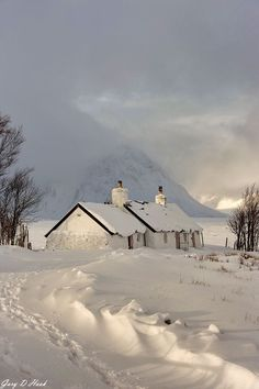 Glen Coe in snowy conditions at Blackrock Cottage