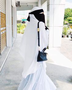 Niqaabee Niqab Fashion, Modern Hijab Fashion, Muslim Fashion, Hijab Niqab, Mode Hijab, Hijab Dp, Arab Girls Hijab, Muslim Girls, Beautiful Muslim Women