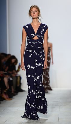 Absolutely in love with the Michael Kors Spring 2014 collection! do this without the open triangle Muumuu, Spring 2014, Dress Ideas, Pretty Dresses, Triangle, Fashion Inspiration, White Dress, Michael Kors, Silhouette