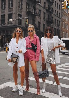 idn't get the white memo 🤷🏼♀ Look Fashion, Fashion Outfits, Womens Fashion, Fashion Trends, Korean Fashion, Looks Chic, Looks Style, Estilo Kylie Jenner, Summer Outfits