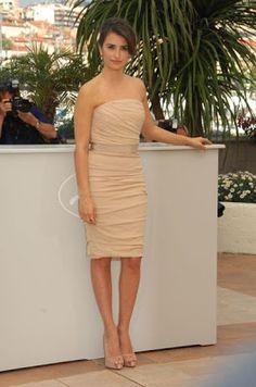 Satin Fan: Penelope Cruz Style