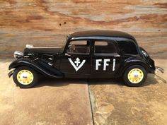 1944 CITROEN Traction 11B Legere FFI 1/18 by ChasingToyCars
