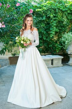 Try To Get Ideas For Your Very Own Wedding Dress With Our Great Wedding Dress Pictures Album. Make Your Own Personal Wedding Significant.