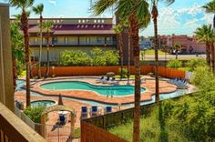 This complex has a wonderful pool area