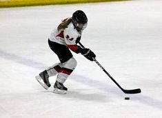 Far too many young female hockey players stickhandle like they are chopping wood. Here are 3 ways to take your stickhandling to the next level Hockey Drills, Hockey Memes, Hockey Quotes, Hockey Goalie, Hockey Players, Ice Hockey, Hockey Coach, Bruins Hockey, Field Hockey
