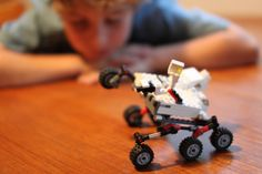 Mars Curiosity Rover Finds Nitrogen On Mars School Projects, Fun Projects, Mason School, Signs Of Life, Curiosity Rover, Business Technology, Lego, Things To Sell, Mars