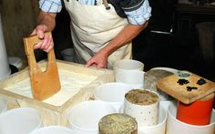 Fromagerie d'alpage - www.moleson.ch : une montagne de loisirs cheesemaking