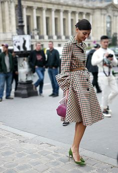 Giovanna looking wonderful as always during Paris Fashion Week.