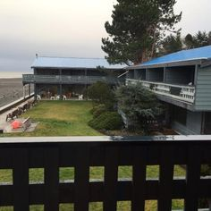 Courtyard area in back of the hotel, Sand Pebbles Inn, Qualicum Beach, BC