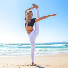 Yoga Clothes : Ashley Galvin – Contentment is about fall…Yooying Yoga Meditation, Yoga Inspiration, Sup Yoga, Workout Results, Yoga Posen, Beach Yoga, Yoga Photography, Lifestyle Photography, Online Yoga