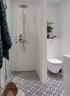 어떻게 하면 작은 욕실 알차게 꾸밀수 있을까!요즘 작은 욕실 꾸미게에 대한 높은 관심을 가지고 있습니다....