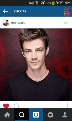 Grant Gustin is just so freaking HANDSOME!!