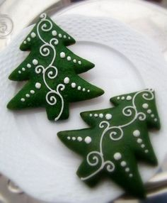 Gingerbread tree decorations decorated cookies 38 Ideas for 2019 Christmas Biscuits, Christmas Sugar Cookies, Christmas Sweets, Noel Christmas, Holiday Cookies, Christmas Baking, Fancy Cookies, Iced Cookies, Cute Cookies