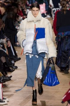View the complete Fall 2017 collection from Sacai.