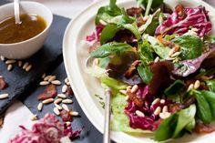 Food: Arabian Salad with Dates | Mood For Style - Fashion, Food, Beauty & Lifestyleblog | Rezept für einen Wintersalat mit allerlei Blattsalaten, Datteln, Pinienkernen und einer Feigenenvinaigrette