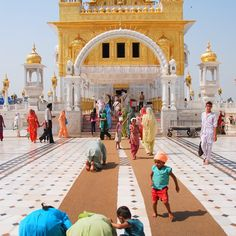 Tarn Taran Sahib Tarn Taran, India: not as crowded as the Golden Temple in Amritsar Bollywood Stars, Temples, Golden Temple Amritsar, Namaste, Amazing India, Indian Architecture, India And Pakistan, Place Of Worship, India Travel