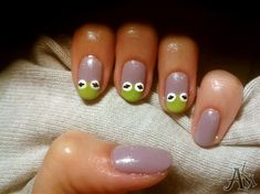Lol! I love it, Kermit the Frog nails!!!!     |||Kermit The Frog ^^ by ALM - Nail Art Gallery nailartgallery.nailsmag.com by Nails Magazine www.nailsmag.com #nailart