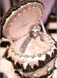 Beautiful <3 #ring #diamonds This is a cake!!!