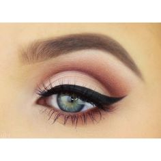 30 Ideas For Party Makeup Tutorial Apply Eyeliner Sexy Eye Makeup, Sleek Makeup, Cat Eye Makeup, Eye Makeup Tips, Makeup Goals, Skin Makeup, Makeup Inspo, Makeup Inspiration, Daytime Eye Makeup