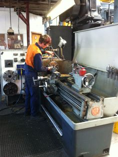 Machining parts on the Colchester