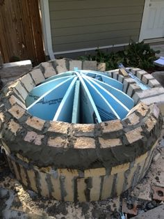 Backyard brick oven – Worth the Whistle Oven Diy, Diy Pizza Oven, Pizza Oven Outdoor, Outdoor Cooking, Pizza Ovens, Brick Oven Outdoor, Simple Outdoor Kitchen, Patio Kitchen, Outdoor Kitchens