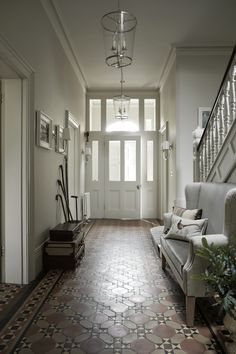 Entrance Hall designed by Sims Hilditch for Malvern Family Home project. ©