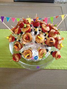 Traktatie school 3 jaar Fruit en poffertjes Poffertjes, Cereal, Fruit, Breakfast, Birthday, Cake, Desserts, Kids, Food