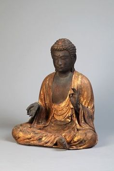 Seated Amida Buddha. Japan, Kamakura Period, 13th Century. Hinoki wood.54 x 44 x 36 cm.