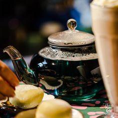 mochi Gin And Tonic, Mochi, Kitchen Appliances, Magic, Tea, Purple, Drinks, Life, Diy Kitchen Appliances