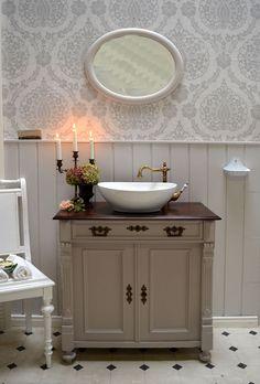 Diy Bathroom Vanity, Bathroom Fixtures, Bathroom Furniture, Powder Room Decor, Powder Room Design, Traditional Shower Doors, Grey Bathrooms, Kitchen On A Budget, Mold And Mildew