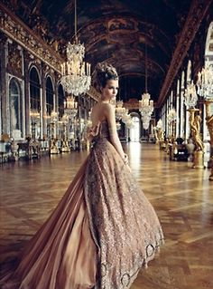 Amazing dress in the the Hall of Mirrors @ The Palace of Versailles