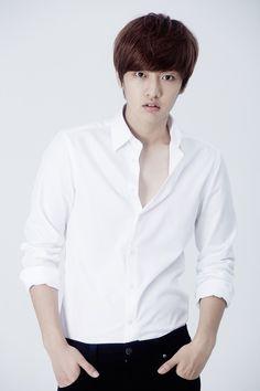 Shin Won Ho Joins Legend of the Blue Sea to Play Genius Hacker to Lee Min Ho's Conman | A Koala's Playground