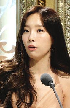 Taeyeon SNSD Girls' Generation Elegantly Flawless GIF