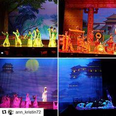 Tang Dynasty Show i Xi'An. #reiseblogger #reiseliv #reisetips  #Repost @ann_kristin72 with @repostapp  Vi var på flere kinesiske forestillinger på kvelden. Dette er fra Chinese Tang Dynasty show i Xi'an. ........................................... #chinesetangdynasty #dancing #dancingshow #china #kina #xian #visitchina #visitxian #seethroughmyeyes #seethroughmylens #reiseblogger #reiseradet #reiselyst #travelphotography #traveltheworld #travelblogger #traveladdict #travelasia #instatraveling…